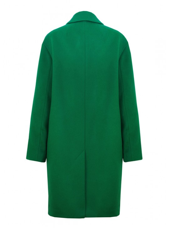 7440В Женское пальто-кокон насыщенно зеленого цвета